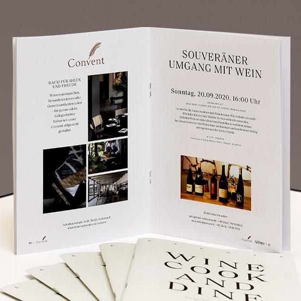 """Broschüren für die Gastronomie """"Wine & Dine Programm"""" in DIN A5 hoch auf Naturpapier"""